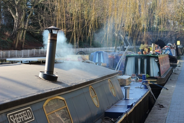 Keeping warm on Regent's Canal by Tim Woodall