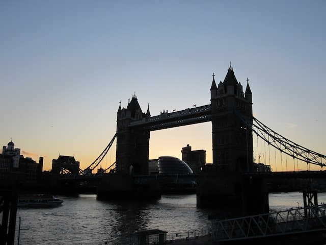 Sunset behind Tower Bridge.