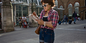 The Friday Photos: Londoners Reading