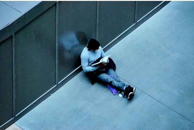 Reading a book, Tate Modern by DodgyEye