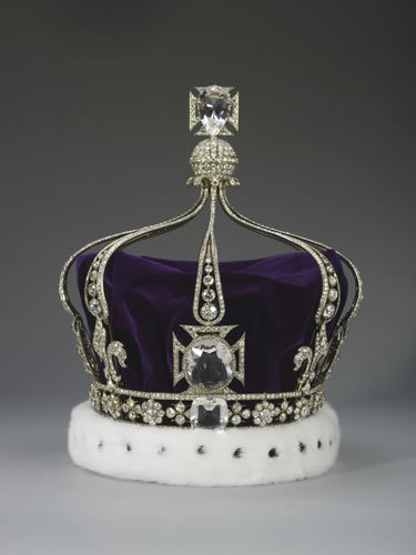 "Queen Mary's Crown. Unlike the others, this crown contains eight half arches which can be removed and the crown can be worn as a circlet, making it the ""convertible"" of the bunch"