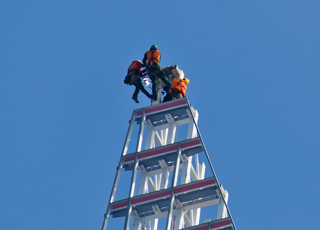 Photos: Workers Building The Top Of The Shard