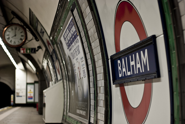 8am in Balham and the platform's empty - must be the evening then, by dtelford