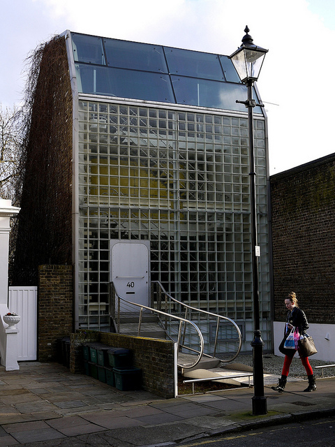 Crazy building, crazy door - Douglas Road, Islington, by paulitzerPix