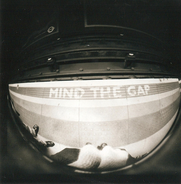 Mind the gap, by beckslfrt
