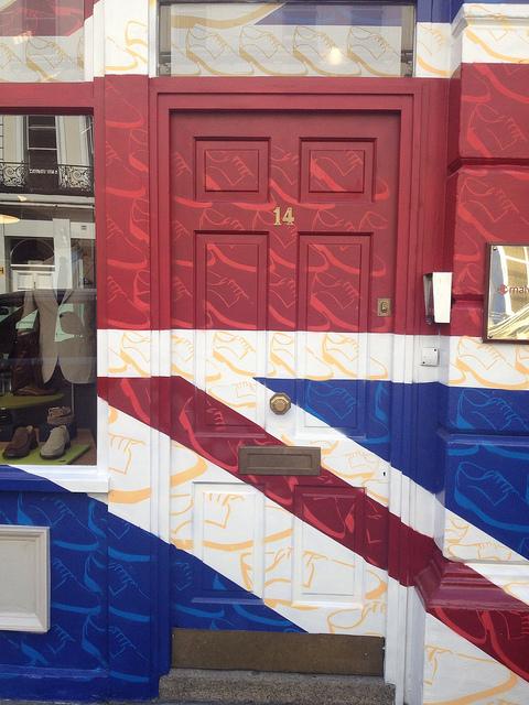 Patriotic doorway in Covent Garden, by Tezzer57
