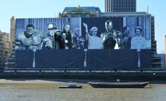 Touch Up London: The Royal Banner On The Thames