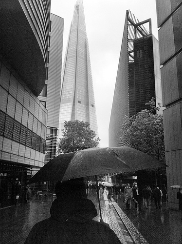 Shard and rain by Laurabot_