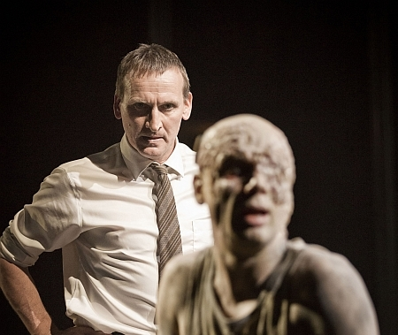 Theatre Review: Antigone @ National Theatre