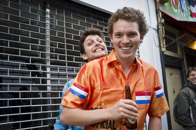 Dutch and Portuguese fans partying at break time