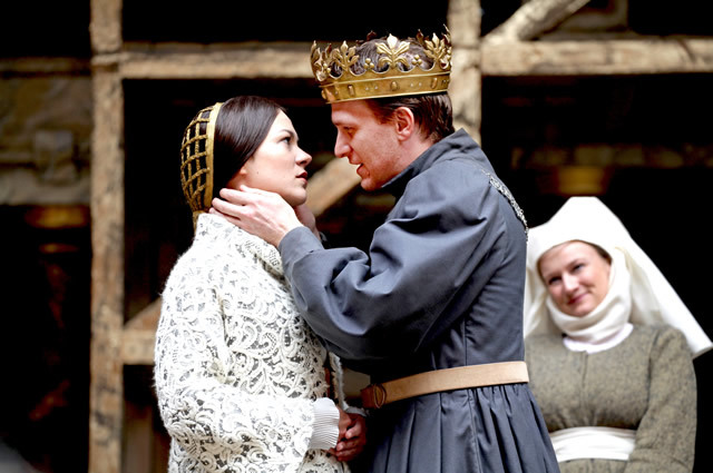 Aww, now for a sloppy bit. Princess Katherine (Olivia Ross) is wooed by the warrior gone soft, Henry (Jamie Parker). They make a very sexy couple.