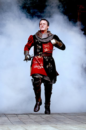 Jamie Parker as Henry V: king of the rallying cry. You'd follow him into battle, right?