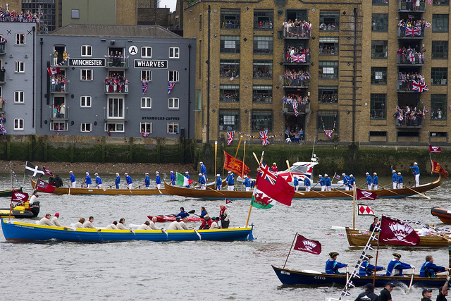 The flotilla passes Bankside / photo by Downtime_1882