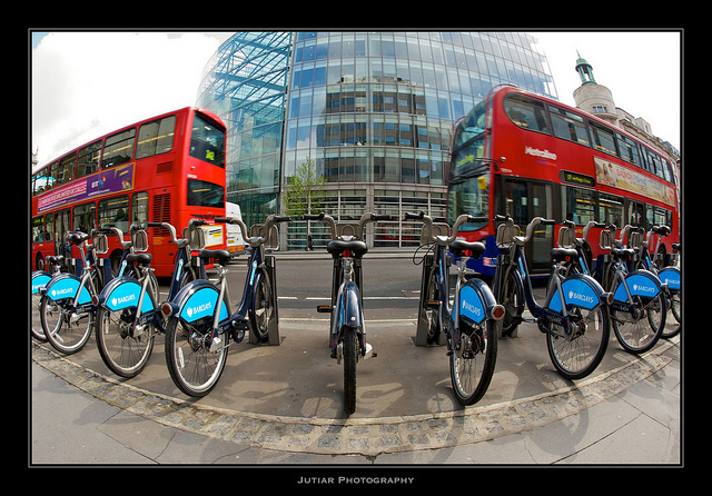 The red and blue of London transport, by Jutiar