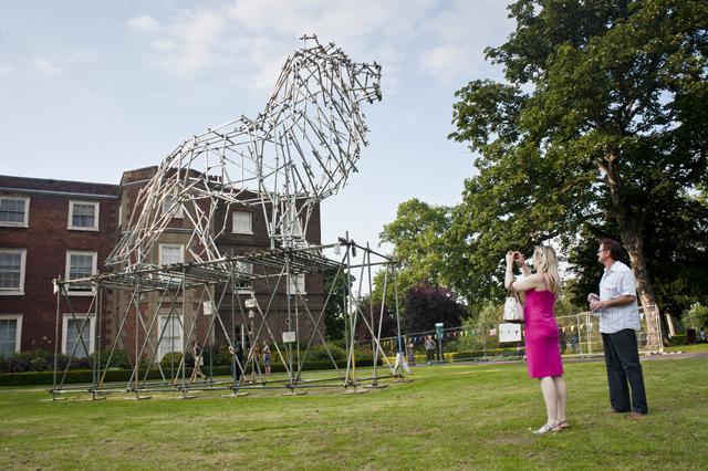 Lion scaffolding sculpture by Ben Long at Bruce Castle Park