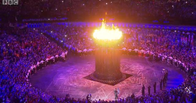 Thomas Heatherwick's cauldron.