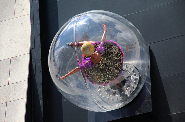 Globe Head Ballerina by Yinka Shonibare / Photo Royal Opera House