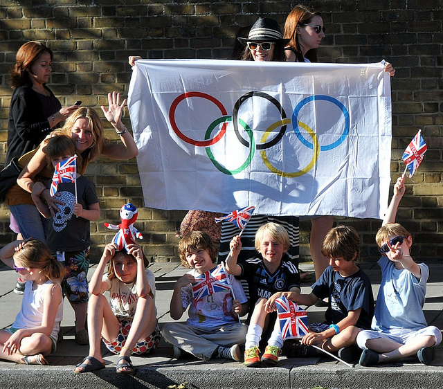 Bless their cottons - waiting for the torch in Tooting Bec, by McTumshie