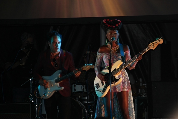 Shingai Shoniwa of the Noisettes owned the stage