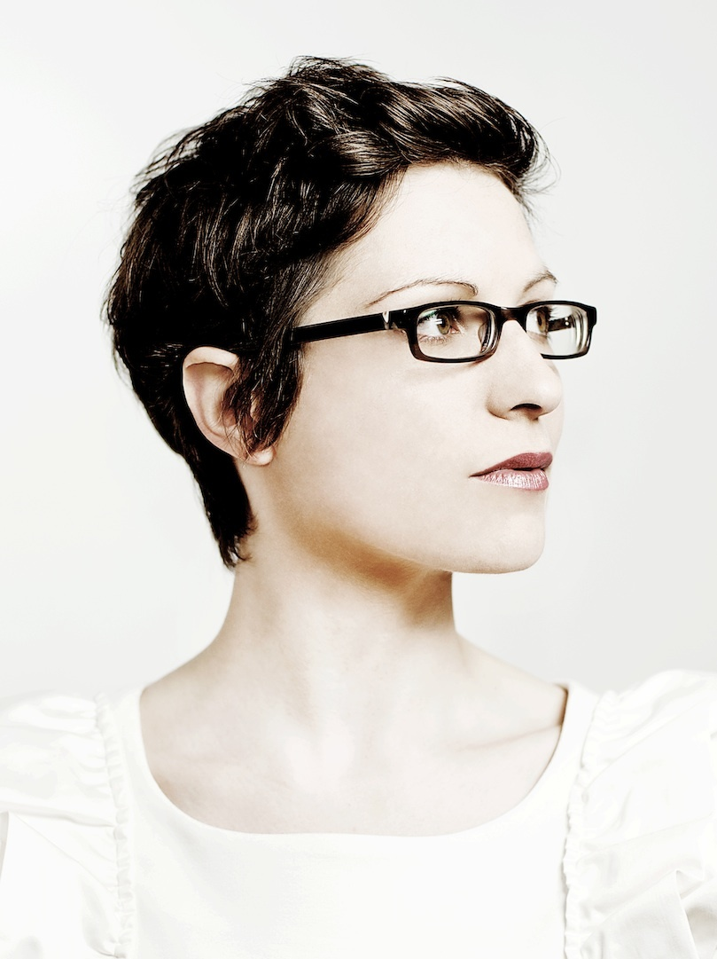 Comedy Review: Helen Arney — Voice Of An Angle @ Soho Theatre