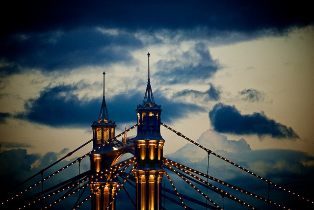 Top of Albert Bridge, by Massimo Usai