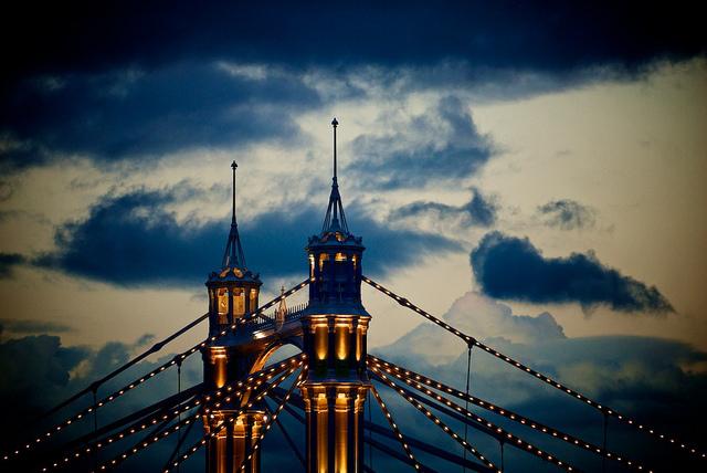 Top of Albert Bridge, by Massimo Usai