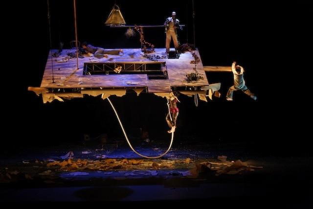 Circus Preview: Du Goudron Et Des Plumes @ Barbican Theatre