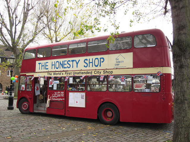 Bus-Based Honesty Shop @ St Katharine Docks