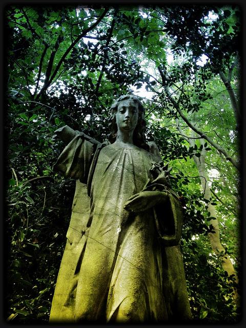 Angel in Stoke Newington graveyard, by Peter H