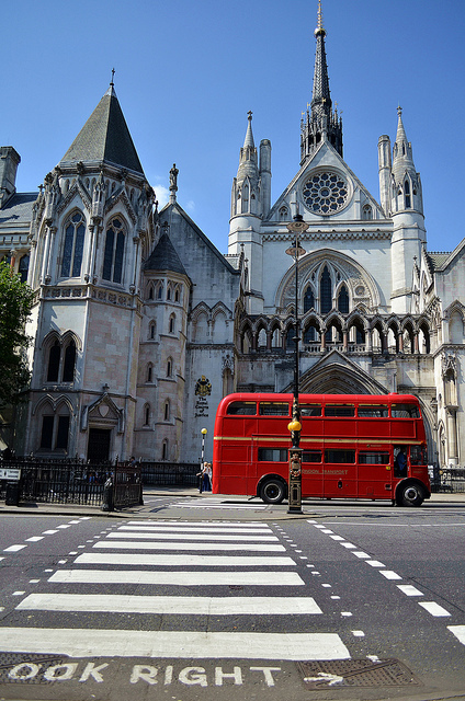 Outside the Royal Courts of Justice, by David Molina