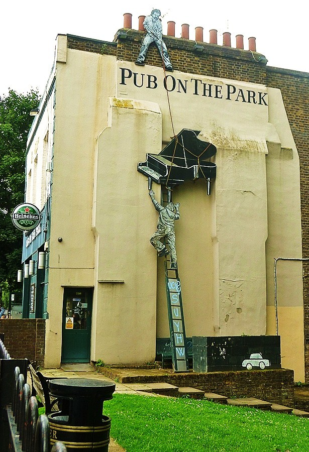 Pub on the park