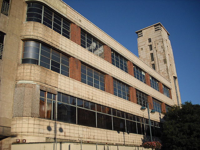 RACS, or the Royal Arsenal Cooperative Society, started in Woolwich in 1868. In the 1930s they moved into this purpose-built Art Deco building. It is now derelict and scheduled for demolition. Photo / kanshiketsu