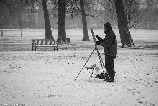 Dedicated sketcher in Queen's Park by Luke Robinson
