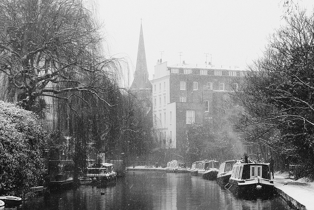 The canal in Camden by Simon Crubellier