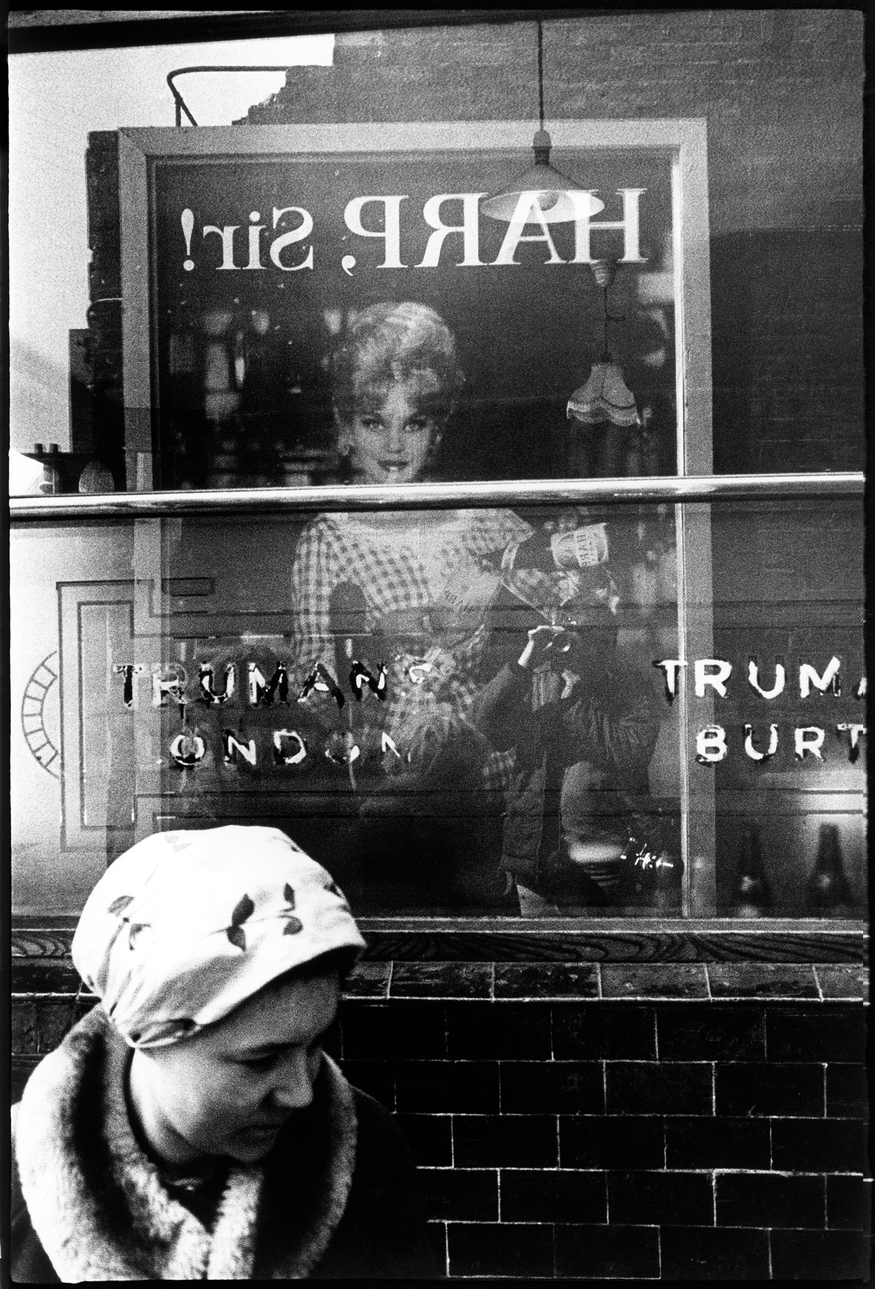 East End 1961 © David Bailey