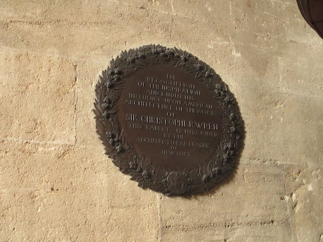 A plaque to Sir Christopher Wren.