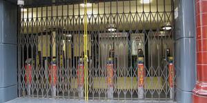 Ban Tube Strikes, Say Assembly Conservatives