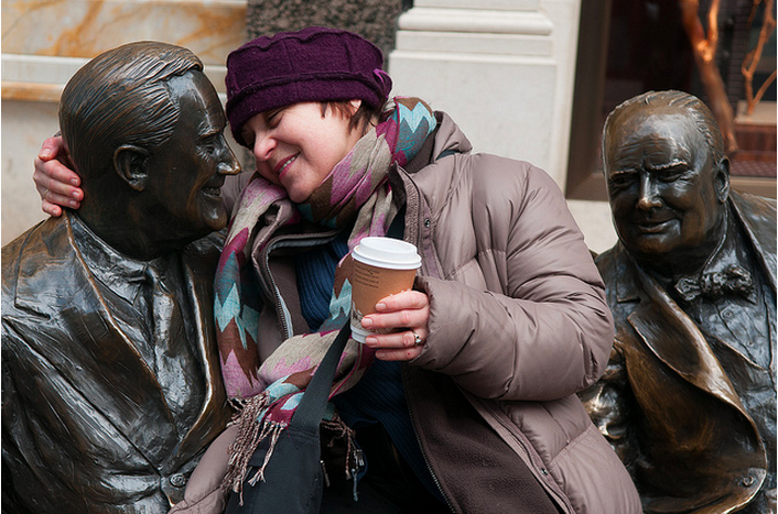 Ania finds a friend in Mayfair - photo by McTumshie