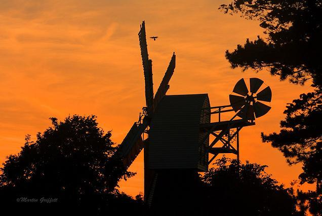 Wimbledon Common windmill / photo by 4orty7even