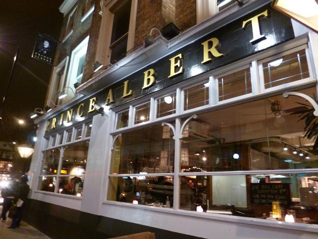 London's Longest Pub Crawl Visits Every Tube Station