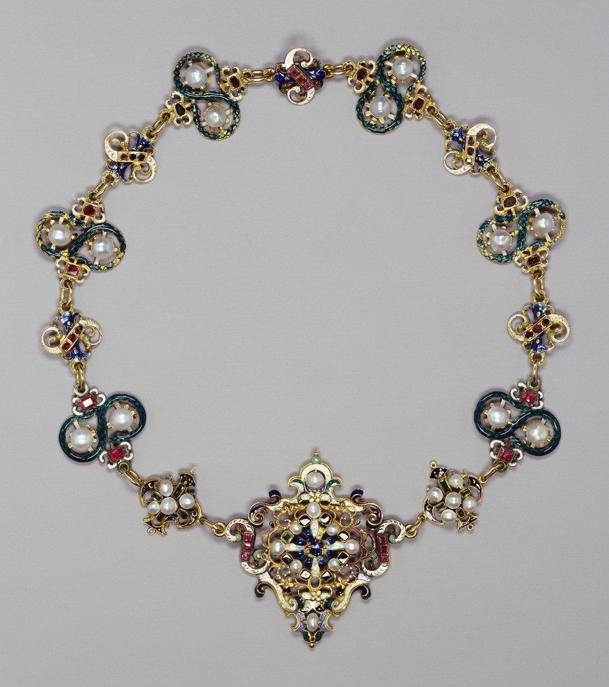 Parure with necklace, brooch and earrings made from enamelled gold, pearls, rubies and emeralds, late 16th century with later additions.  Royal Collection Trust / (C) Her Majesty Queen Elizabeth II 2013.