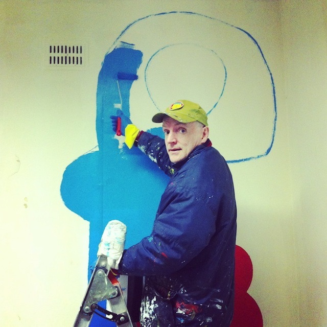 Thierry Noir does his thing.