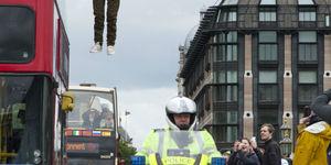 Gallery: Dynamo Performs Bus Levitation Stunt On Westminster Bridge