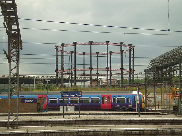 The previous site of Gasholder No. 8. Photo by M@.