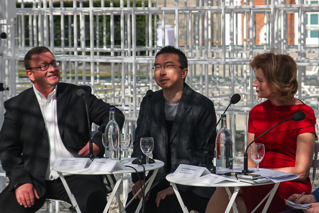 Sou Fujimoto (centre), flanked by Serpentine Gallery director Julia Peyton-Jones and David Glover of Aecom