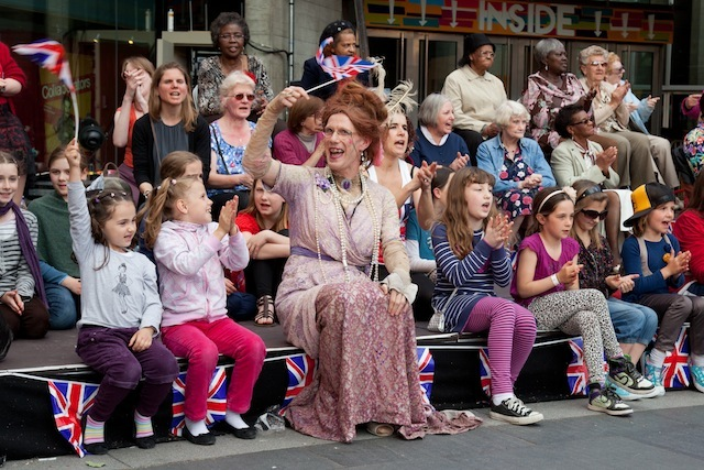 Ida Barr will lead an interr-generational sing-along