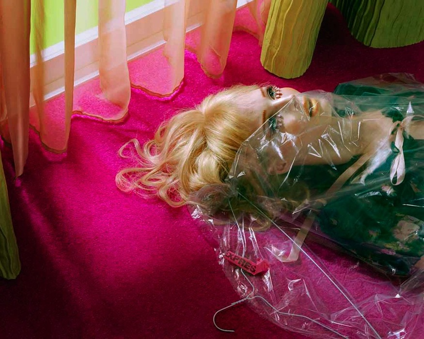 Miles Aldridge, Semi Detached. Image courtesy the artist and Brancolini Grimaldi