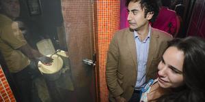 London Dating: Toilets, Art, Community Spirit & Beer