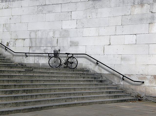 Bike by mondoagogo