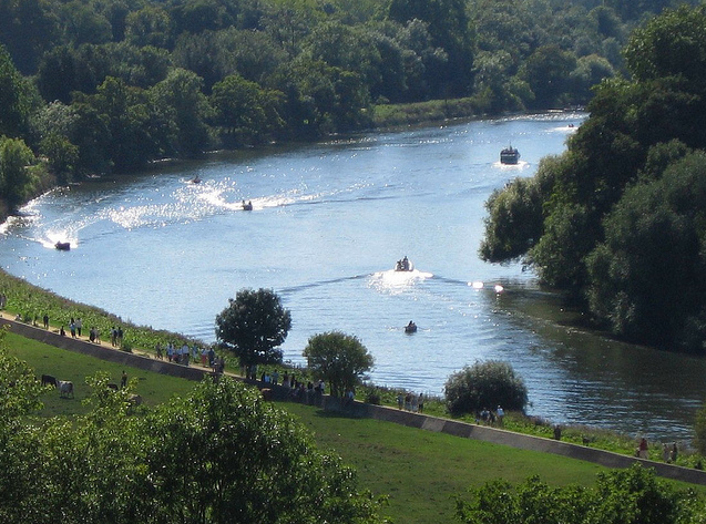 River Thames on Bank Holiday, Richmond by Philippe